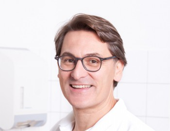 DDr. <br />Maximilian Hofbauer